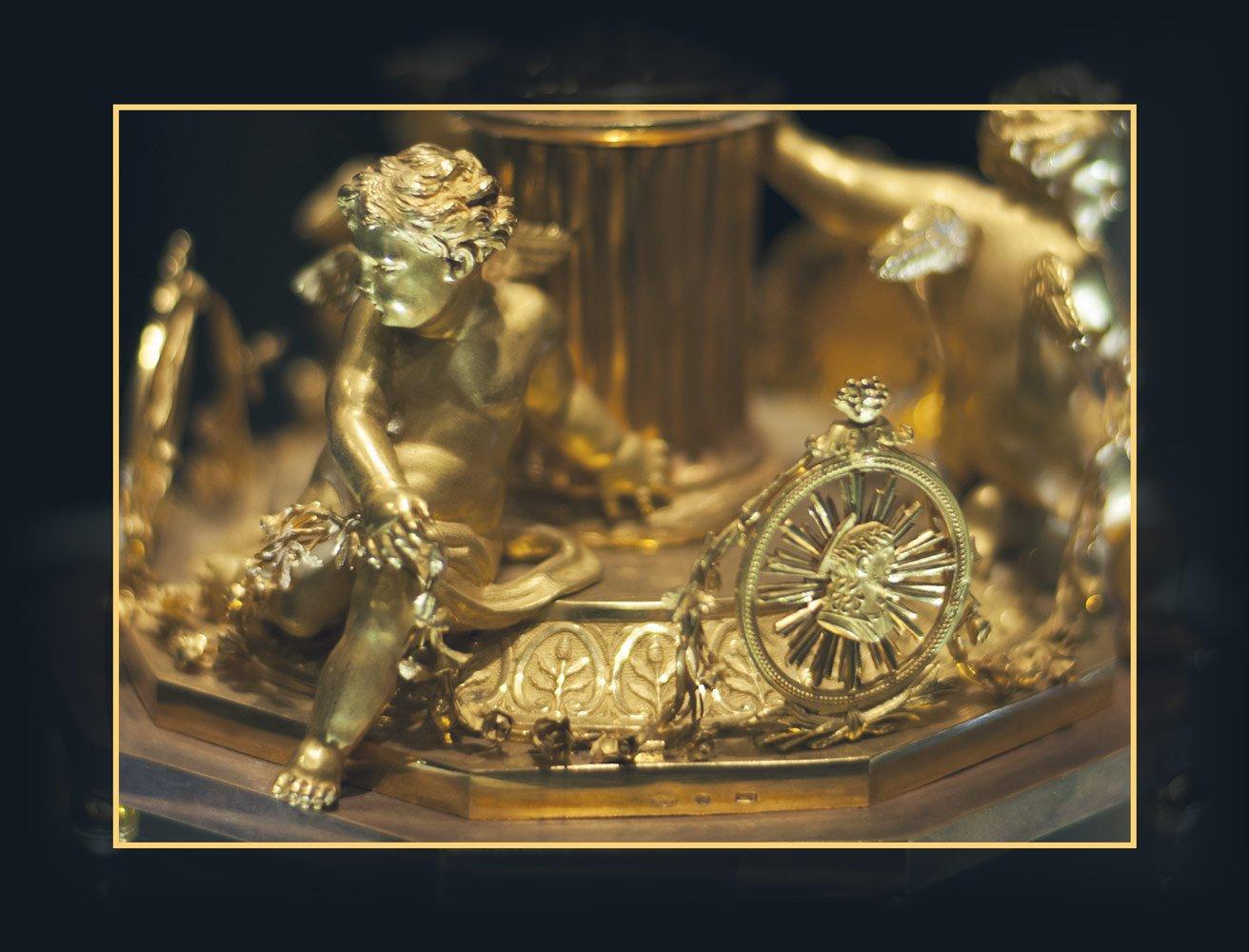 Dettaglio del calice d'oro donato da Papa Pio IX