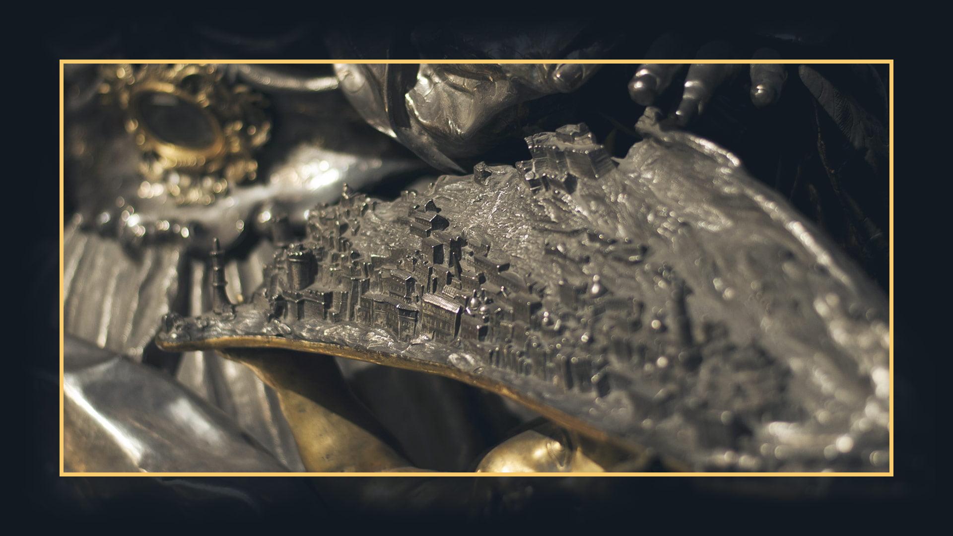 Dettaglio del plastico tridimensionale in argento della statua di Santa Irene